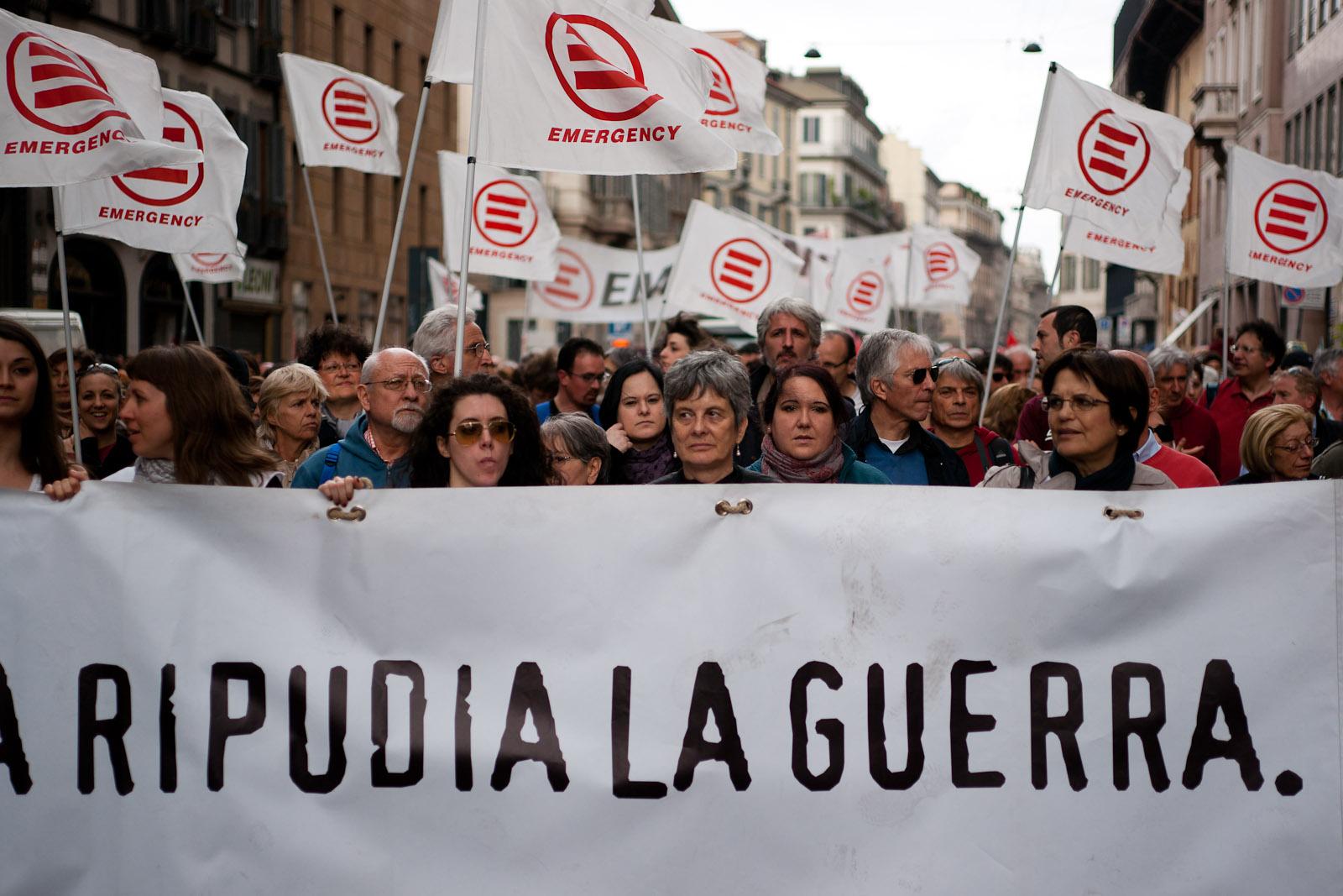 19 - Emergency Italian Organisation AGAINST war