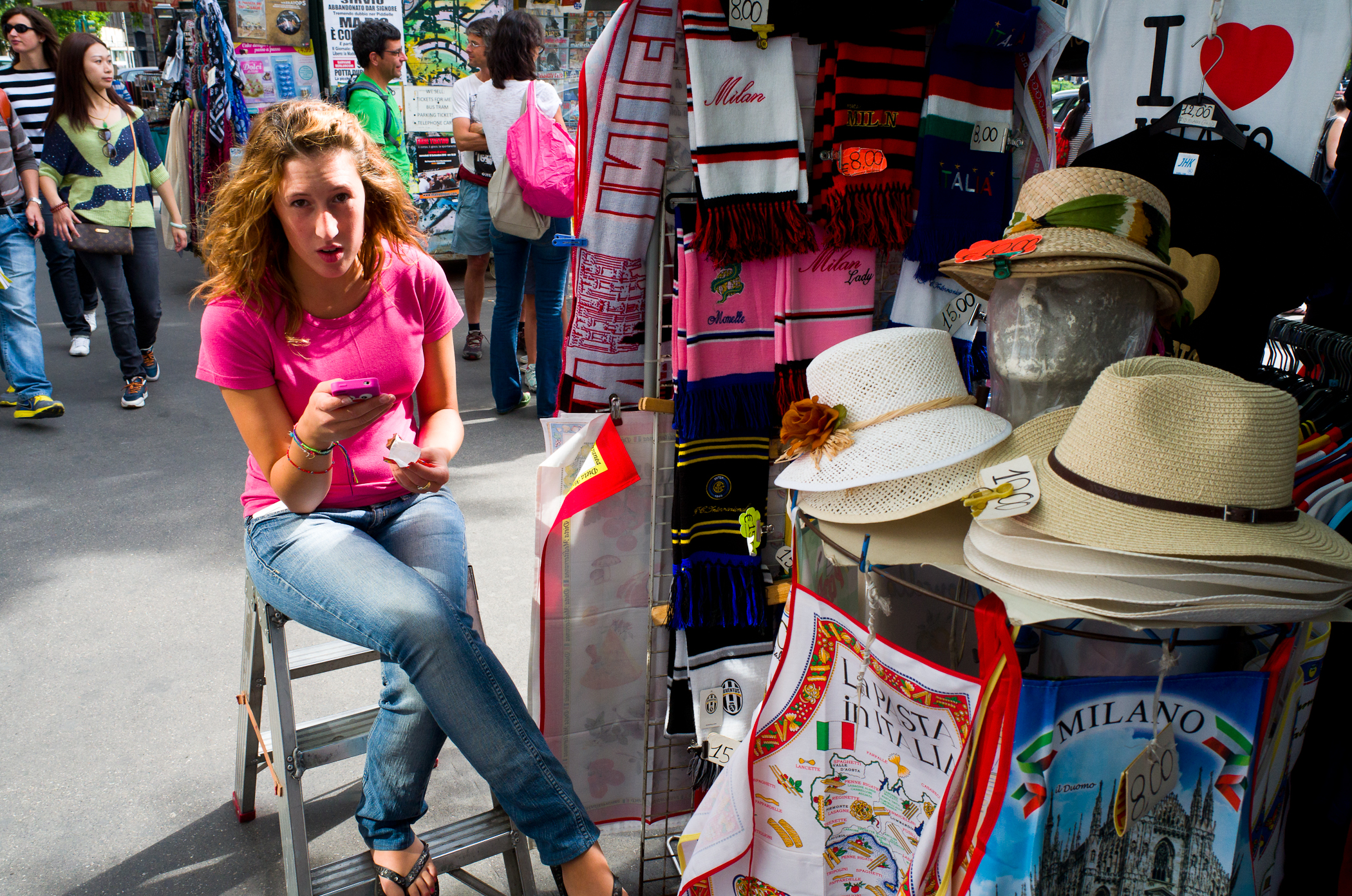 16 - Seller for Tourists